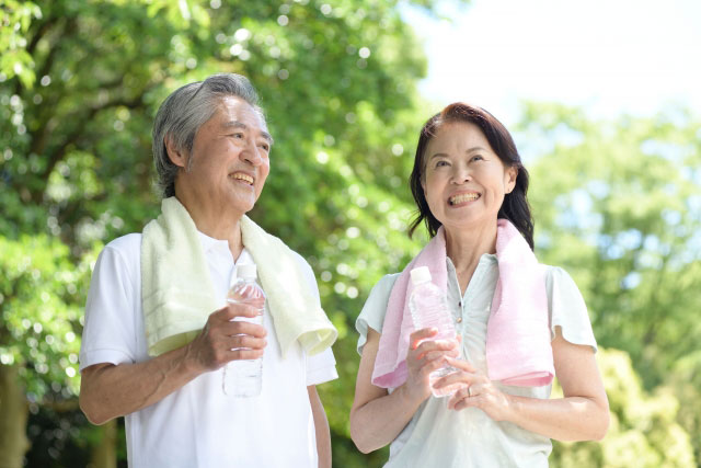 50代男性の日常生活における頸椎症性神経根症の症例と治療のご紹介。